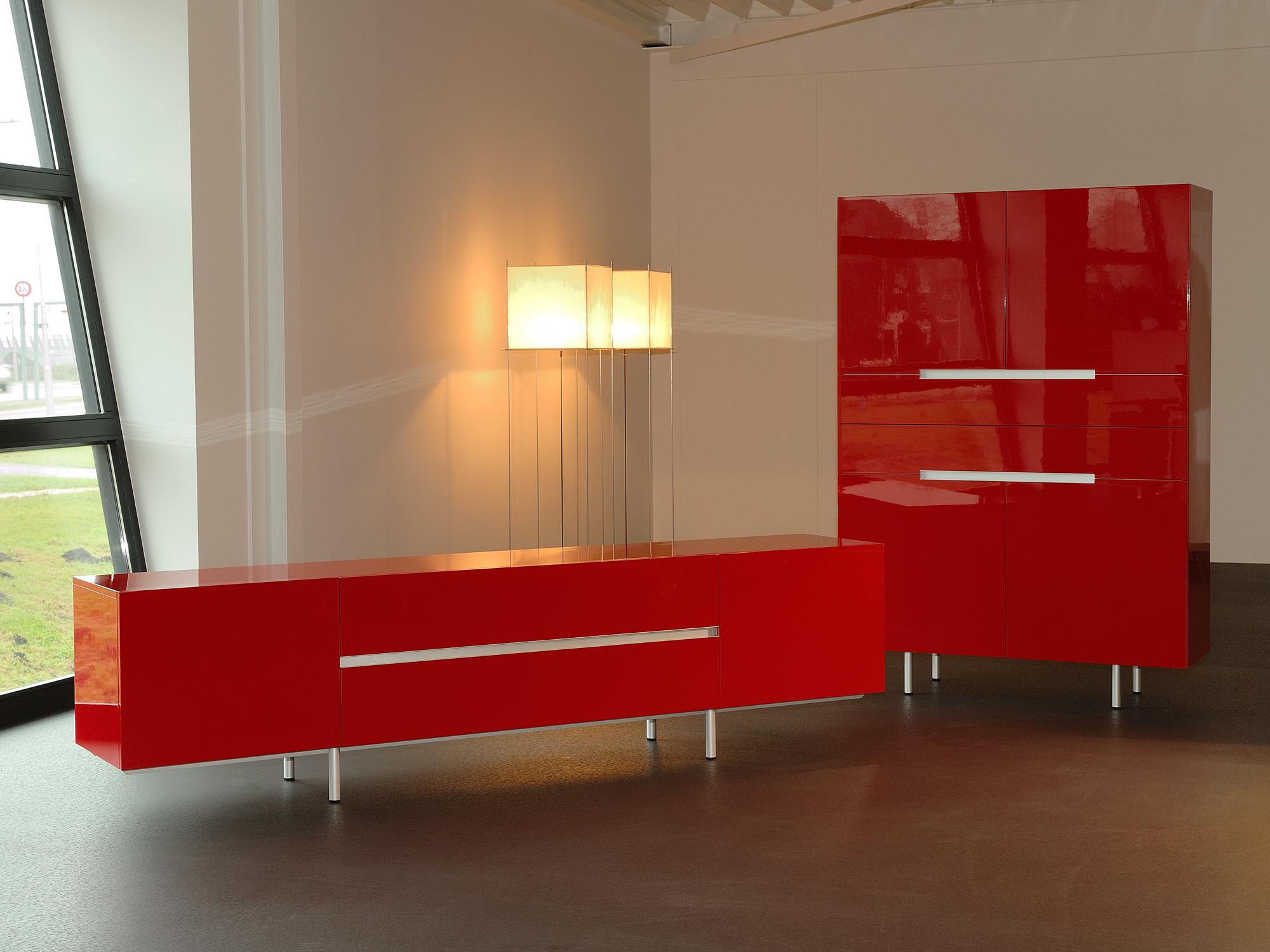 LINE-LC en LINE-AA, ontwerp door Dick Spierenburg