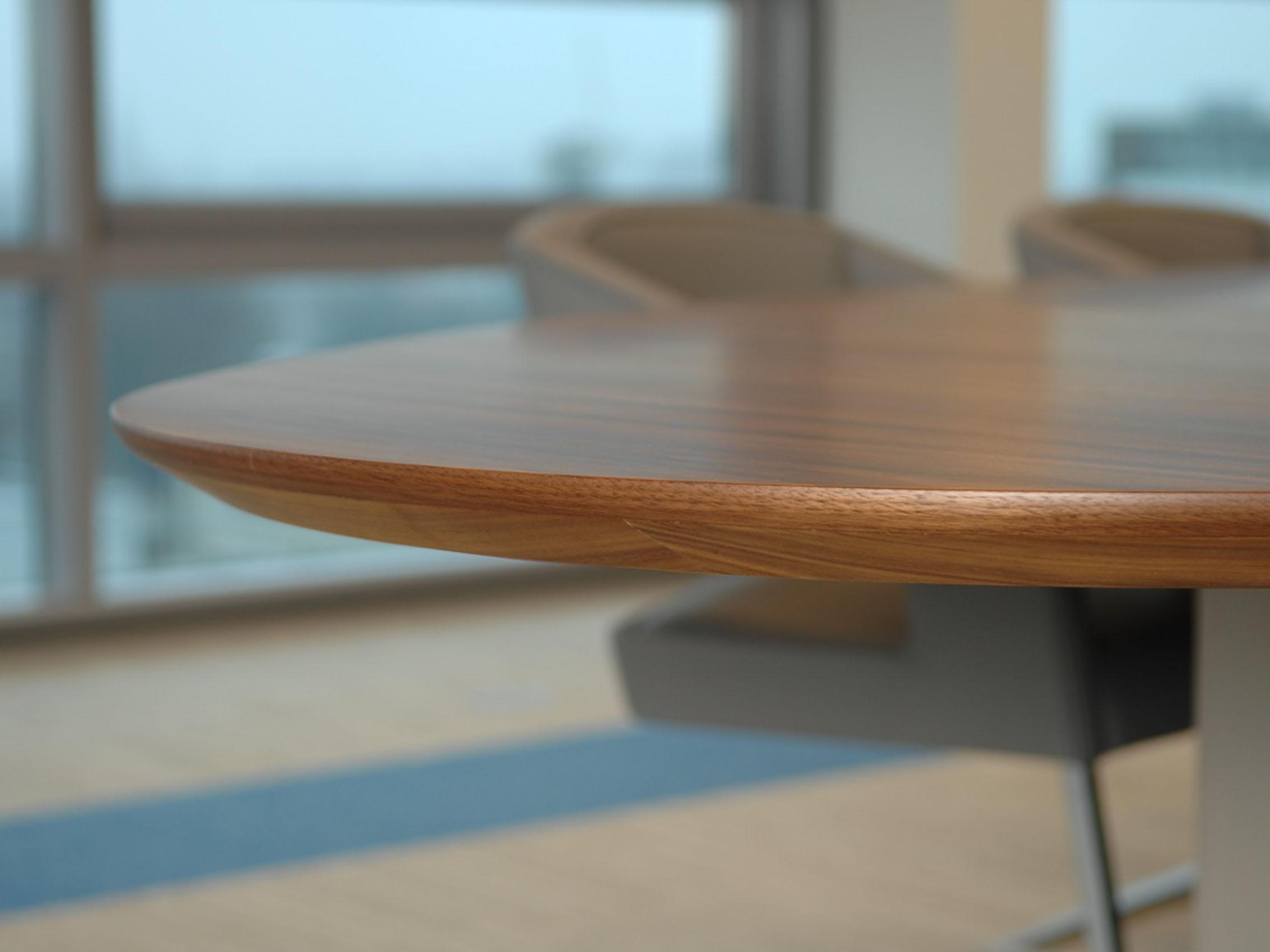 Detail Castelijn tafel