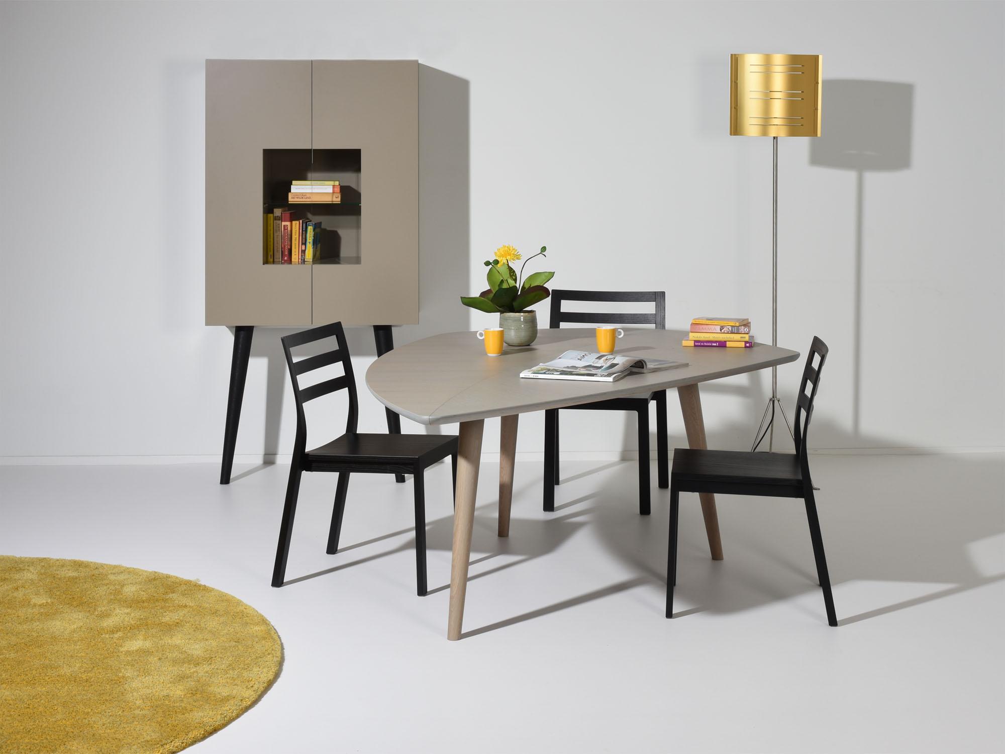 RP-leunkast en RP-tafel, ontwerp door Coen Castelijn