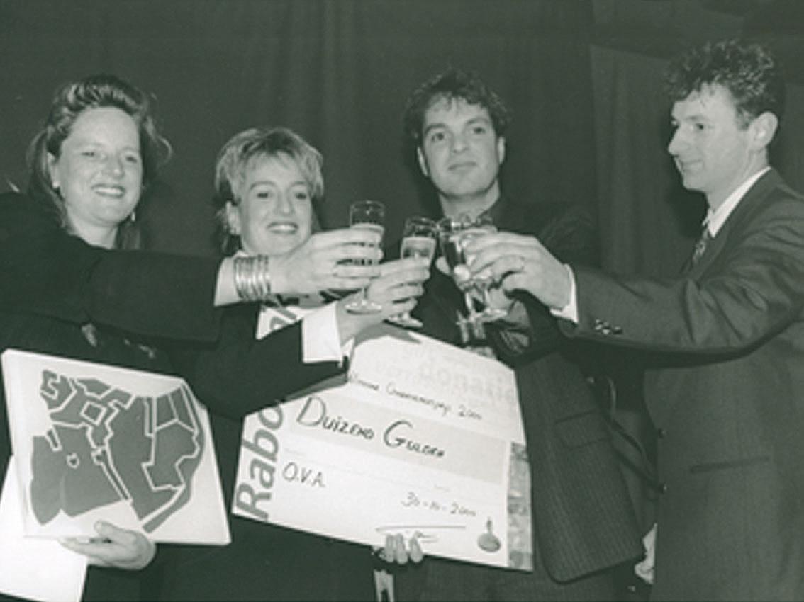 2000, Castelijn wint de OVA ondernemersprijs.